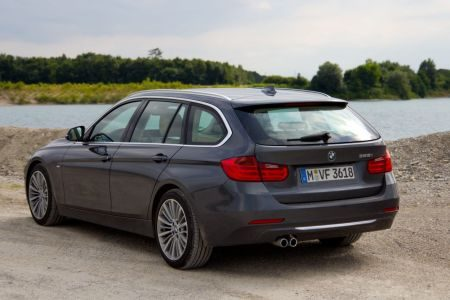 bmw 3 serie touring rijtest en video. Black Bedroom Furniture Sets. Home Design Ideas
