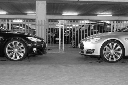 Tesla Model S - foto Ferry de Wet