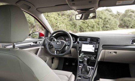 Volkswagen golf 7 rijtest en video for Interieur golf 7