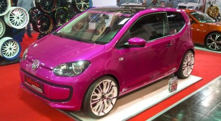 VW Up: Pretty in pink