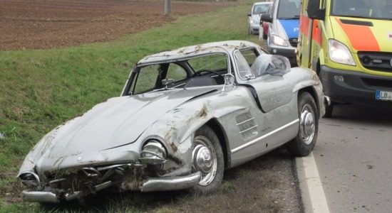 Mercedes 300SL is stuk