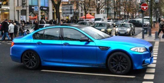 BMW M5 matblauw @ Düsseldorf