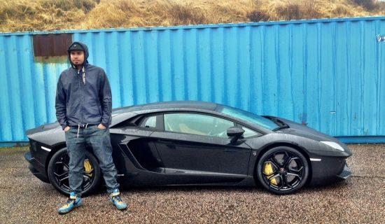 DJ Afrojack met zijn nieuwe Aventador