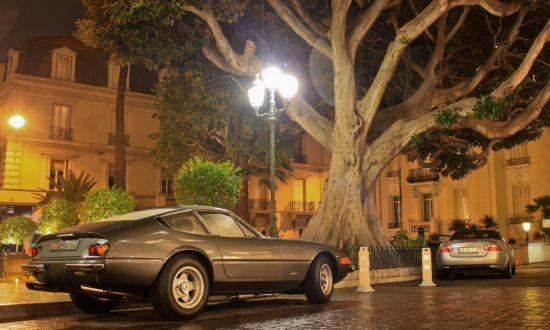 Ferrari Daytona in nachtelijk Monte Carlo