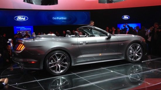 Ford Mustang Cabrio live