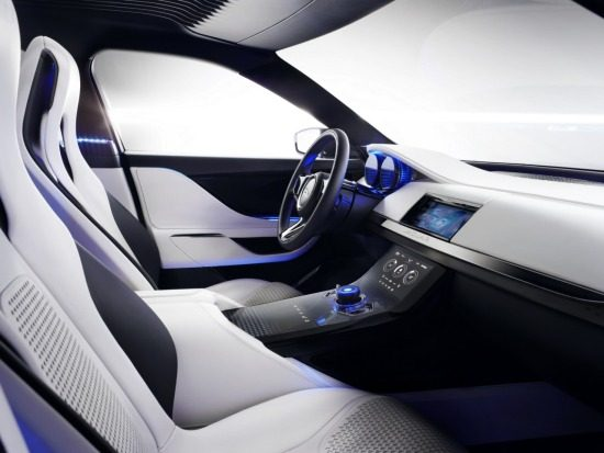 Jaguar C-X17 interieur