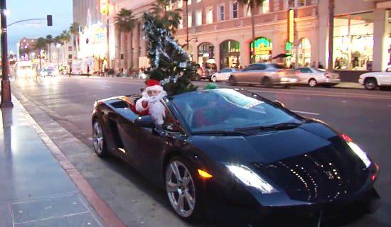 Kerstman ruilt arreslee in voor Lambo