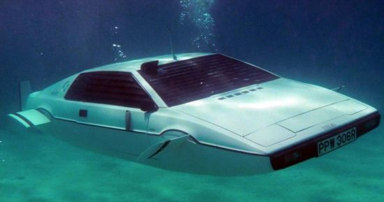 Lotus Esprit duikboot James Bond