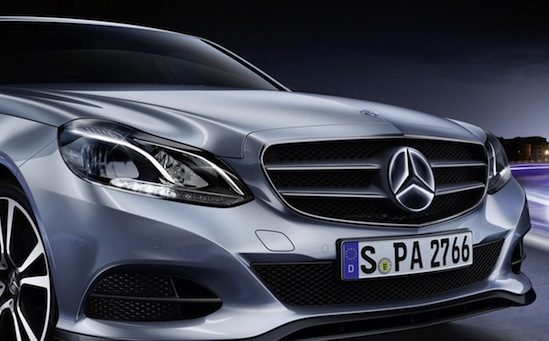 Dit is de Mercedes E-Klasse met een lichtgevende ster