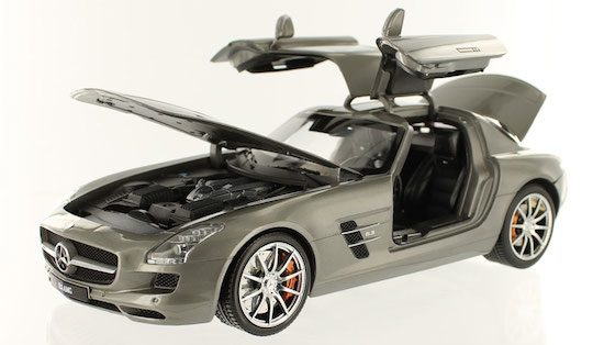Mercedes Benz SLS AMG (2011) by GTA in 1/18