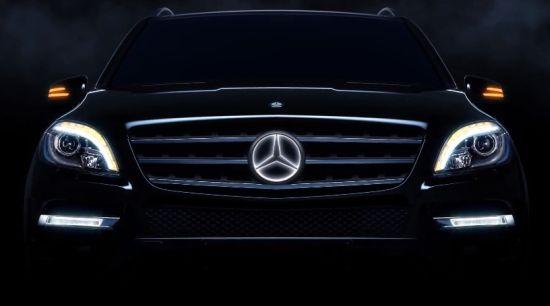 Mercedes met lichtgevend sterretje