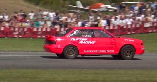 Video: Audi 90 met 900+ pk is niet in bedwang te houden