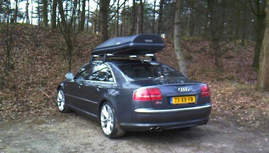 Audi S8 met dakkoffer
