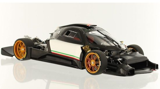 Pagani Zonda R (2009) by AutoArt in 1/18