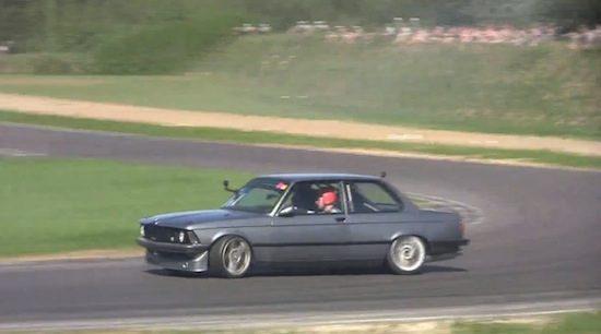 BMW E21 met 1.000 pk komt banden opdriften