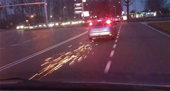 Dashcam politie filmt spectaculaire achtervolging Rotterdam