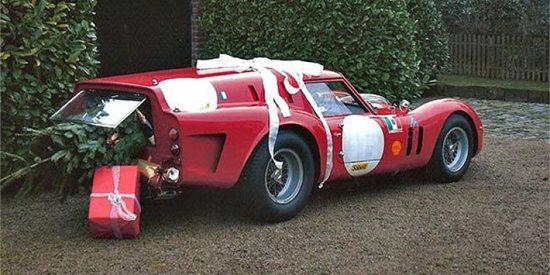 Ferrari 250 GT SWB Breadvan met kerstboom