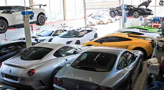 Garage vol supercars