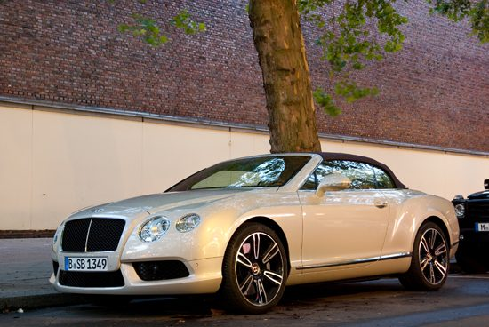 Bentley Continental GTC V8 - Foto: Jim Appelmelk