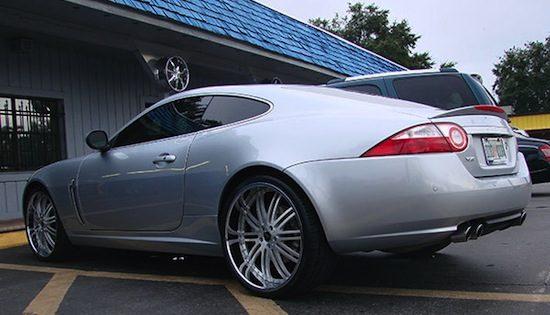 Jaguar XK-R op MHT's