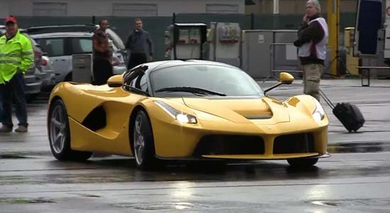 Knalgele LaFerrari blaast over Mugello