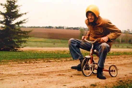 Opa gaat een stukje fietsen