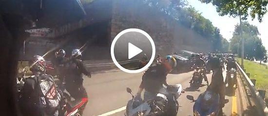 Video: Ruzie tussen motorrijders en Range Rover Sport