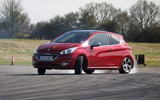 Top Gear doet Peugeot GTi