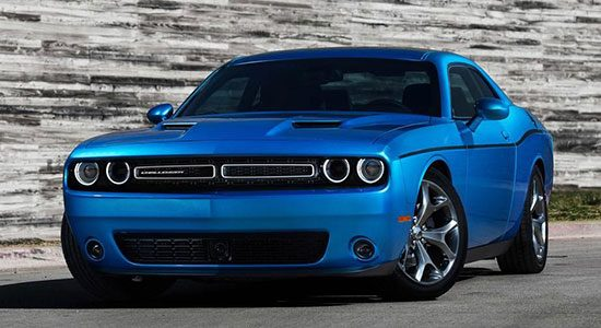 Dodge Challenger 2015 in SXT trim