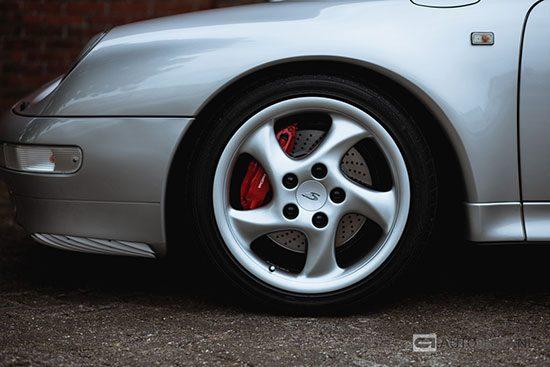 Porsche 993 Carrera 4S wiel