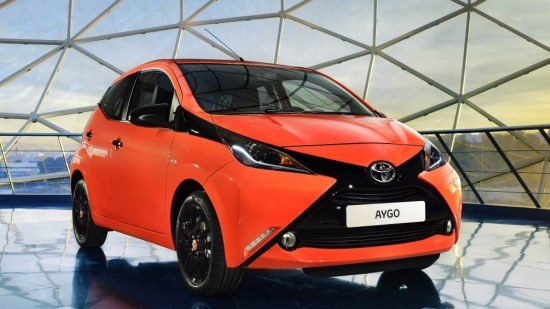 dit is de nieuwe toyota aygo updated. Black Bedroom Furniture Sets. Home Design Ideas