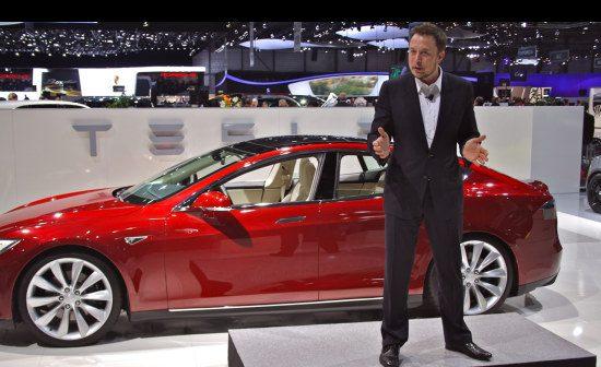 De elektromessias tijdens presentatie Model S in 2012