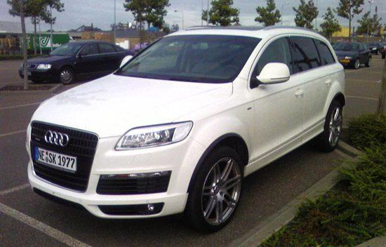 Ook deze Duitse Audi Q7 is wit
