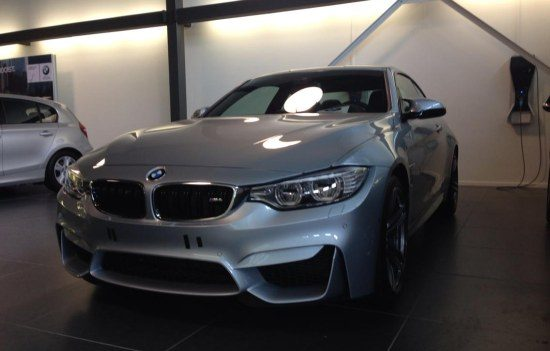 BMW M4 Coupe bij de dealer