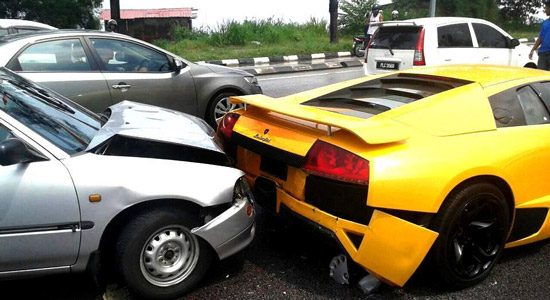 Daihatsu klapt op Lamborghini Murcielago