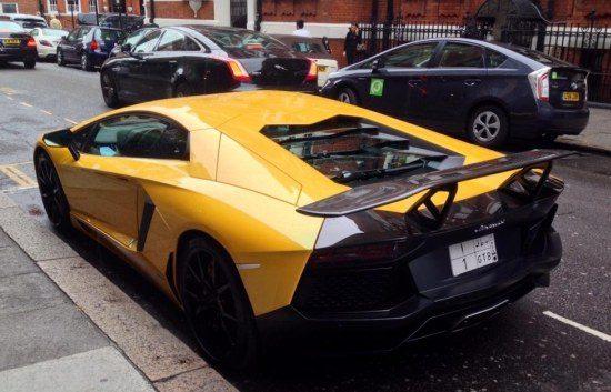 DMC Lamborghini Aventador in Londen