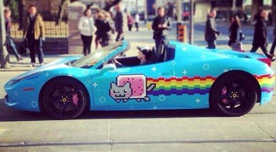 Deadmau5 zet zijn Ferrari 458 Nyan Cat te koop