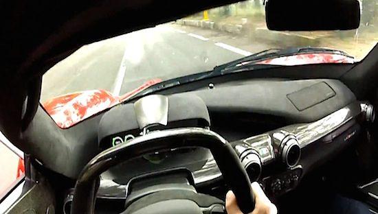 Ga plankgas achter het stuur van LaFerrari [video]