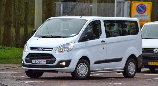 NSS: witte Ford Transit