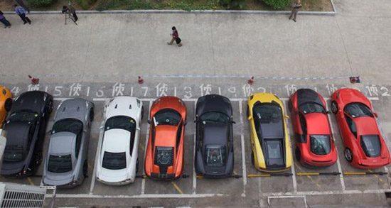Politie Hong Kong neemt supercars in beslag