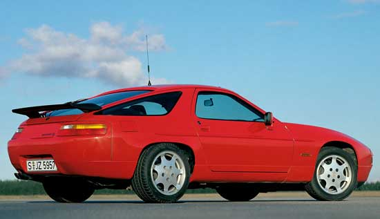Porsche 928 GT Guards Red