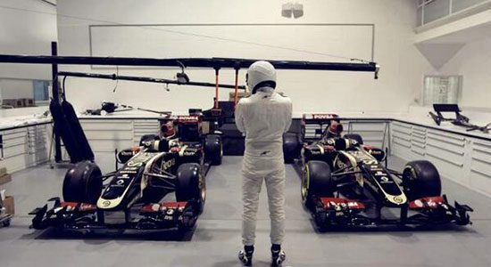 The Stig jat een Lotus F1