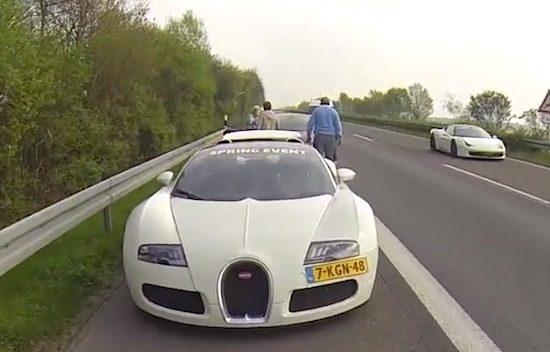 Video: Nederlandse Veyron rijdt schade op de Autobahn