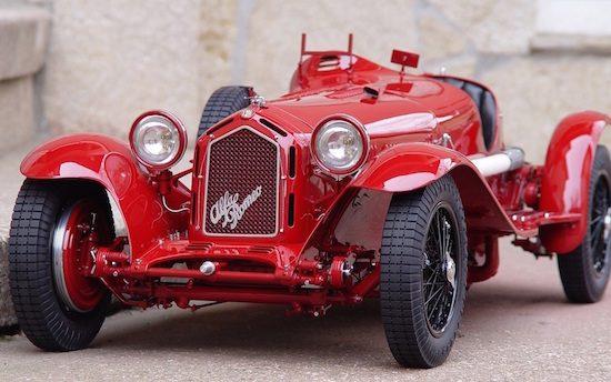 Deze Alfa Romeo 8C heb je al voor €50.000