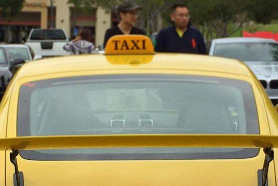 Raad de taxi
