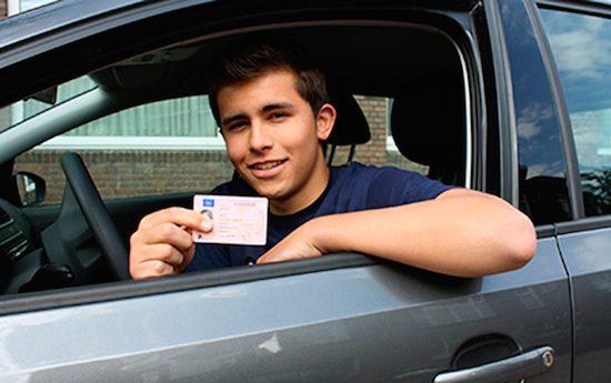 slagen praktijkexamen auto