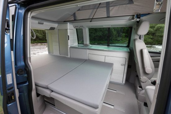 volkswagen t6 california is klaar voor zijn debuut. Black Bedroom Furniture Sets. Home Design Ideas