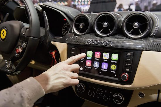 Apple CarPlay in een Ferrari FF