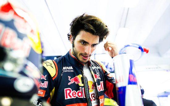 Carlos Sainz vindt dat Max Verstappen wordt voorgetrokken