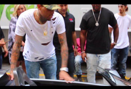 Kijk hoe Chris Brown een Rezvani krijgt